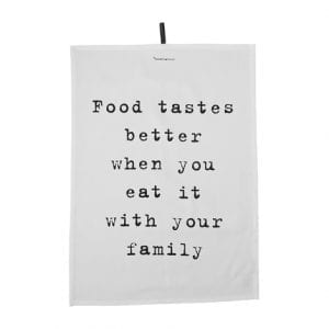 food tastes better with family