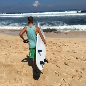 tom surfen in uluwatu