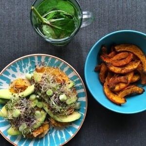 vegan lunch met brood en pompoen