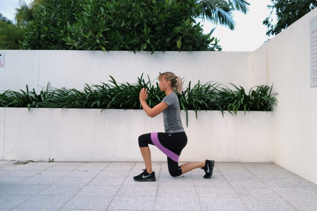 weerstandsbanden: walking lunges