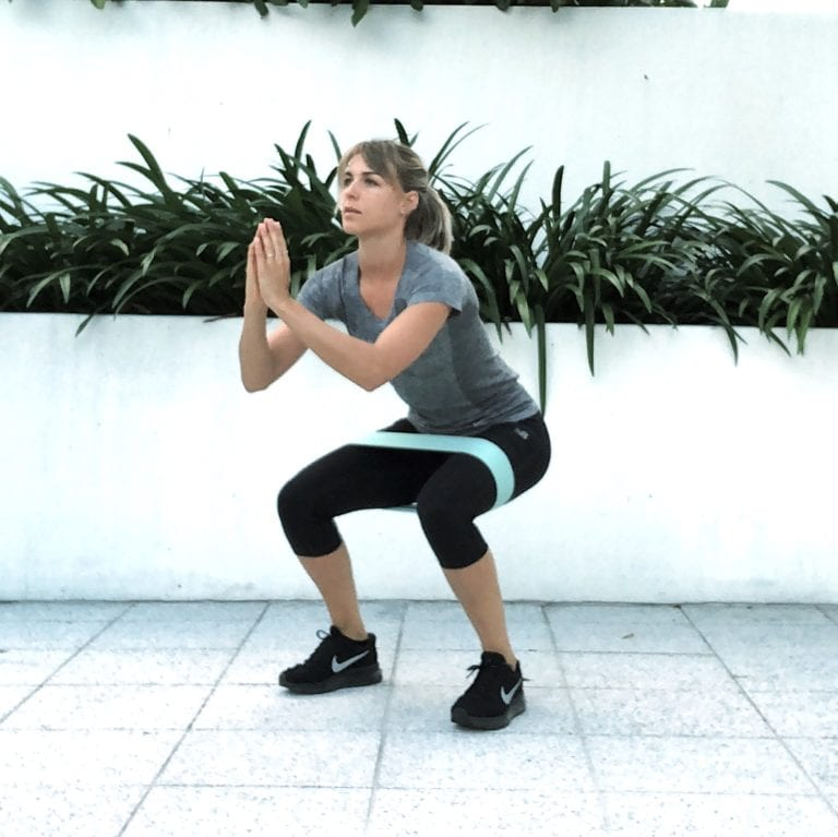 fit with marit oefening weerstandsband squat