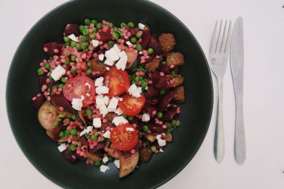 rode bieten salade met couscous